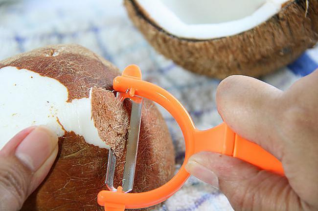 Apakscaronējo mizu vari... Autors: plunkš Kā iegūt kokosrieksta skaidiņas?