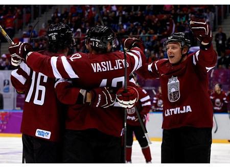 1 periodsnbspAktīvu spēli... Autors: Hokeja Blogs Latvijas hokeja izlase piedzīvo zaudējumu zviedriem