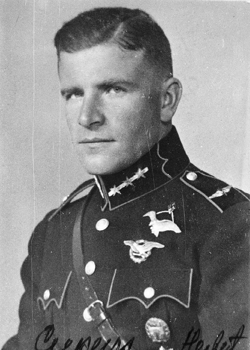 Īsī par Herbertu Herberts... Autors: Fosilija Herberts Cukurs - Latvijas varonis?