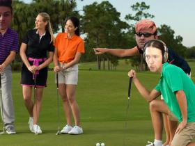 Golf with your friends, bet mēs neviens neko nesaprotam no golfa